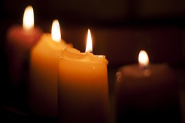 candles-933383__180